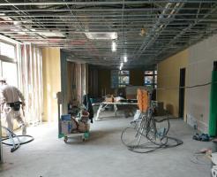 店舗工事の内装業者について